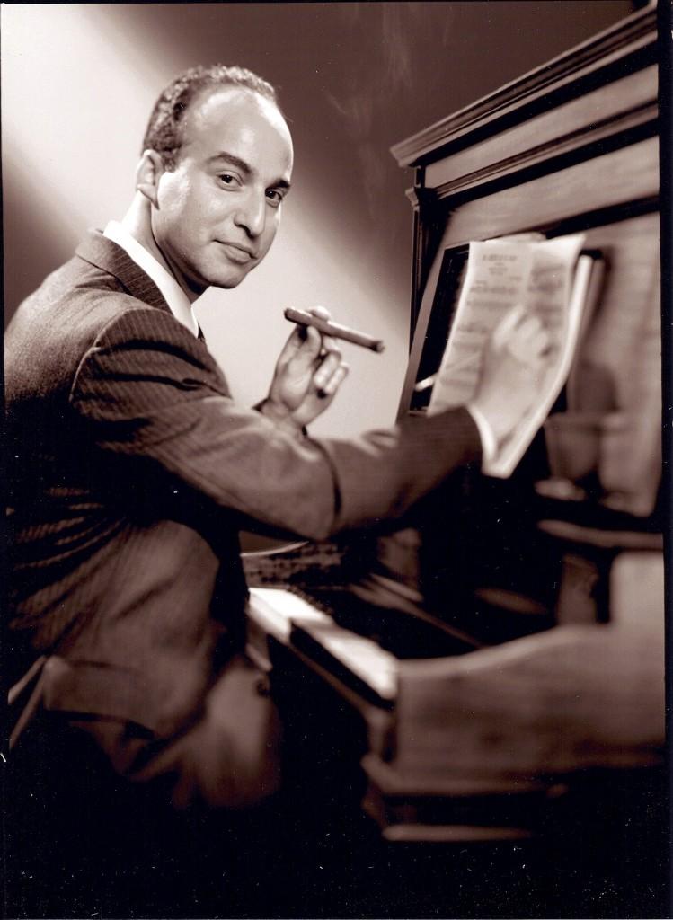 Daniel Laufer- at the piano0001